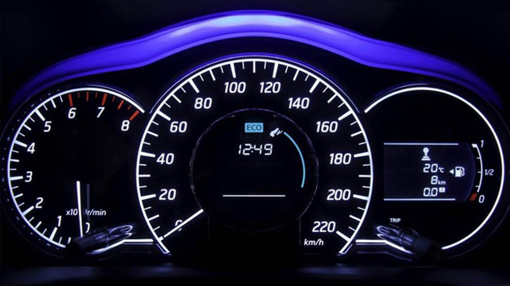 Tốc độ lái xe trong ngoài khu dân cư là bao nhiêu?